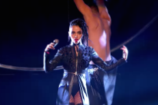 """Watch FKA Twigs Perform """"Figure 8"""" and """"In Time"""" At The MOBO Awards"""