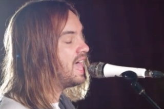 "Watch Tame Impala Cover Kylie Minogue's ""Confide In Me"""