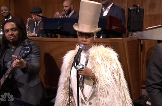 Watch Erykah Badu Perform With The Roots On Fallon