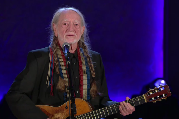 "Watch Willie Nelson Revive Newly Relevant ""Promised Land"" At Gershwin Prize Ceremony"