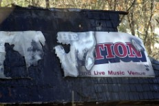 Great White Singer Will Explain Tragic Nightclub Fire In New Documentary
