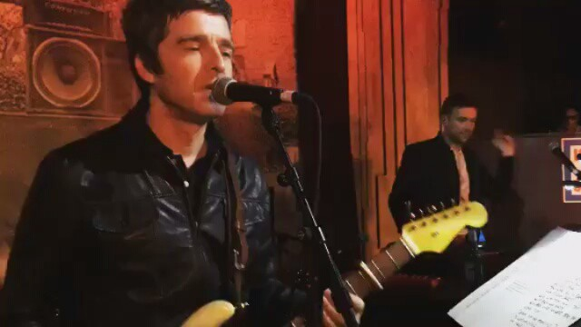 Watch Damon Albarn & Noel Gallagher Play Gorillaz Together At Paul Simonon's 60th Birthday Bash