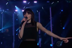 Watch Chvrches&#8217; Fun-As-Hell &#8220;Clearest Blue&#8221; Performance On <em>The Late Late Show</em>