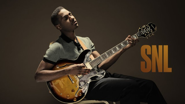 "Watch Leon Bridges Perform ""Smooth Sailin'"" & ""River"" On SNL"