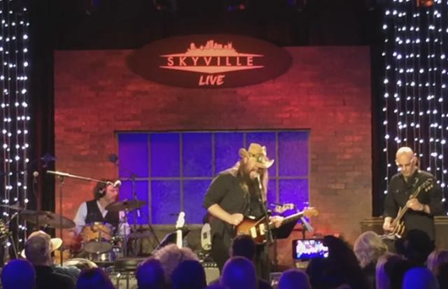 "Watch Chris Stapleton Cover ""Whipping Post"" At Gregg Allman Tribute"