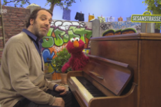 Preview Chilly Gonzales With German Elmo On <em>Sesamstrasse</em>