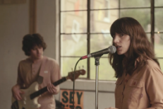 "Eleanor Friedberger – ""He Didn't Mention His Mother"" Video (Stereogum Premiere)"