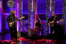 "Watch Chris Stapleton Perform ""Sometimes I Cry"" On Fallon"