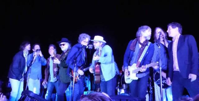 Watch Jeff Tweedy, Corin Tucker, & R.E.M.'s Mike Mills & Peter Buck Cover David Bowie