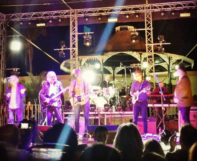 Watch Death Cab For Cutie Cover R.E.M. With R.E.M.'s Peter Buck & Mike Mills