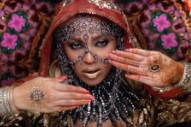 "Coldplay – ""Hymn For The Weekend"" (Feat. Beyoncé) Video"