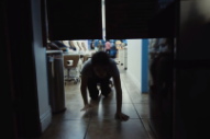 """Skylar Spence – """"I Can't Be Your Superman"""" Video"""