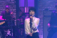 Watch Carly Rae Jepsen Perform &#8220;Run Away With Me&#8221; &#038; &#8220;Your Type&#8221; On <em>Seth Meyers</em>