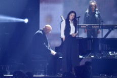 Watch Lorde Pay Tribute To David Bowie At The BRIT Awards