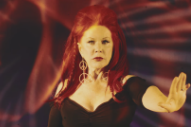 "Kate Pierson – ""Venus"" (Shocking Blue Cover) Video"