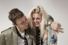 """The Kills – """"Doing It To Death"""" Video"""