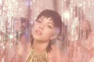 "Carly Rae Jepsen – ""Boy Problems"" Video"