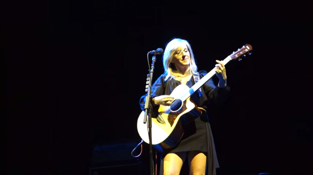 Watch Liz Phair Play New Song