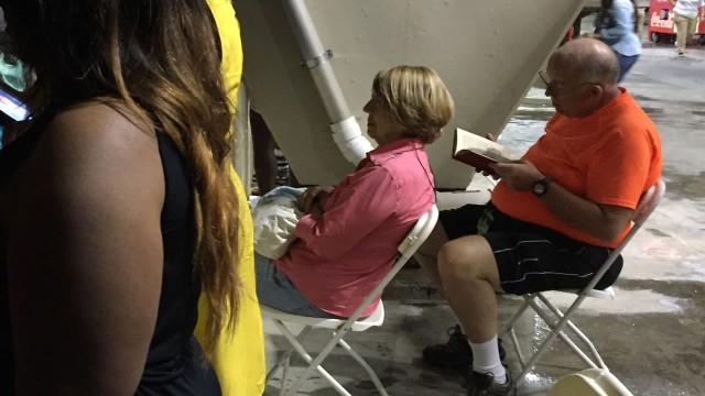 Local News Interviews Man Who Read A Book At A Beyoncé Concert