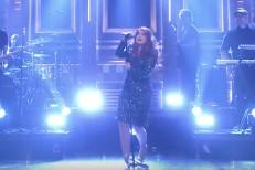 Here&#8217;s Meghan Trainor Falling Down On <em>The Tonight Show</em>