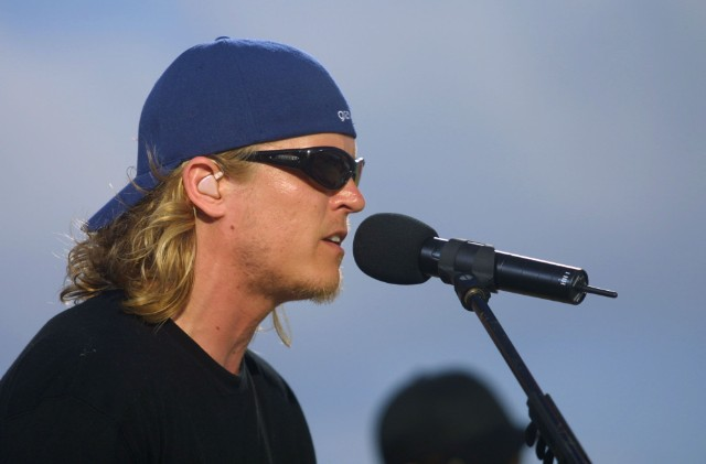 Puddle Of Mudd Singer Arrested Immediately After Walking Off Stage
