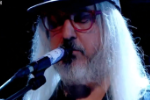 Watch Dinosaur Jr Debut New Song &#8220;Goin Down&#8221; On <em>Jools Holland</em>
