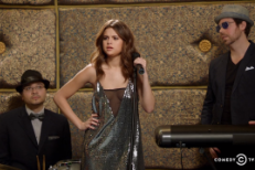 """Watch Amy Schumer's """"Down To Earth"""" Sketch With Selena Gomez"""