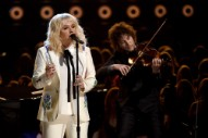Watch Kesha Cover Bob Dylan At The Billboard Music Awards