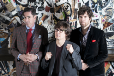 "The Mountain Goats – ""Summer"" (War Cover)"