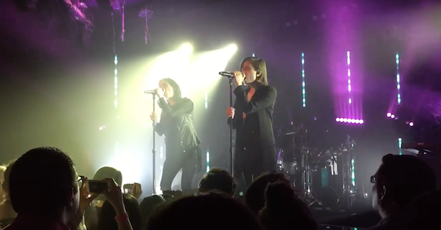 """Watch Tegan And Sara Debut """"Stop Desire"""" And """"100x"""" In LA"""