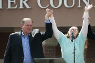"Mike Huckabee Paying $25K Settlement For Playing ""Eye Of The Tiger"" At Kim Davis Rally"