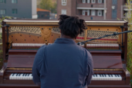 "Watch Sampha Perform New Song ""Plastic 100°C"""