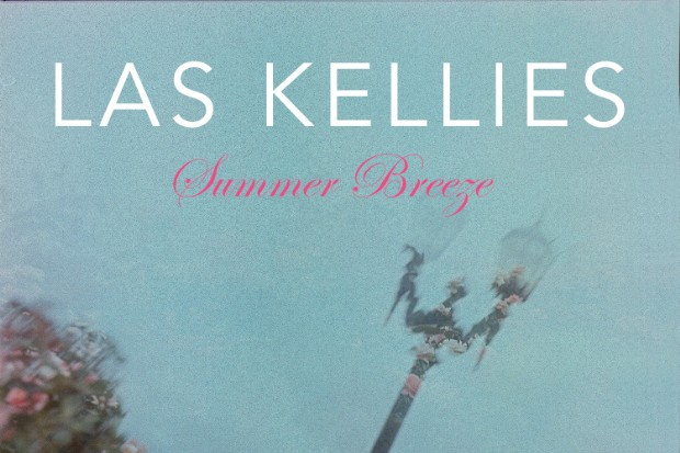 "Las Kellies – ""Summer Breeze"""