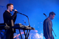 "Watch Massive Attack Address Brexit Racism With First ""Eurochild"" Performance In 18 Years"