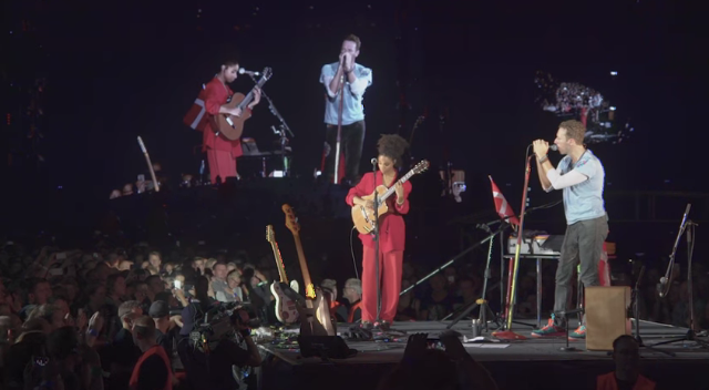 Watch Coldplay And Lianne La Havas Cover Prince In Copenhagen