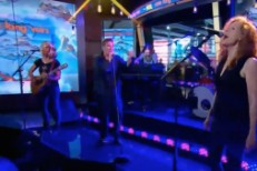 case lang veirs on GMA