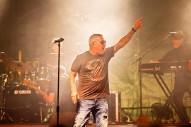 "Smash Mouth Singer Leaves Stage In An Ambulance, Band Plays ""All Star"" Without Him"