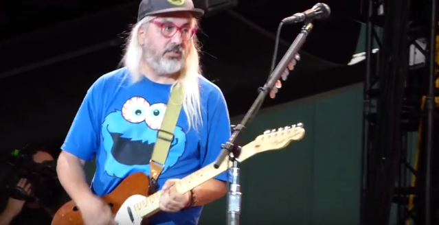 4e199dc63d203 Watch Dinosaur Jr. s J Mascis Shred With Pearl Jam In Boston - Stereogum
