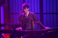 Watch James Blake&#8217;s Stunning <em>Seth Meyers</em> Performance
