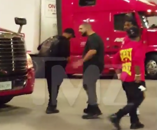 $3M In Jewelry Stolen From Drake's Tour Bus