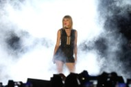 "Watch Taylor Swift Play ""This Is What You Came For"" For The First Time At Formula 1 U.S. Grand Prix Concert"