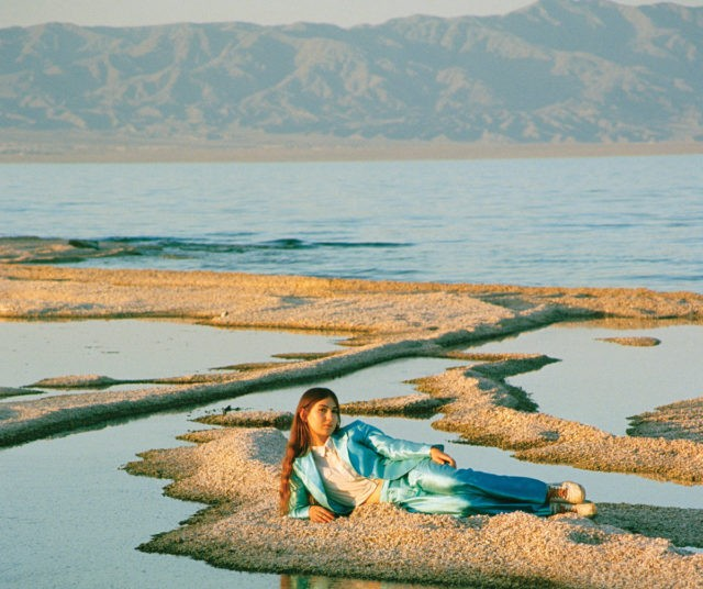 Stream Weyes Blood Front Row Seat To Earth