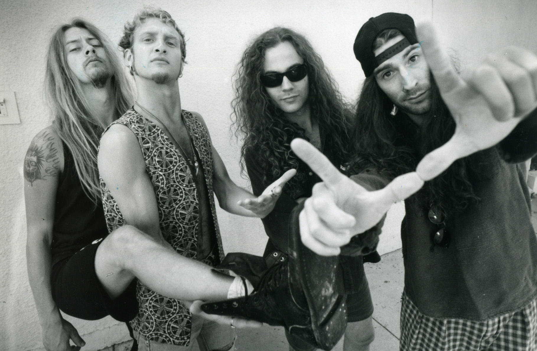 the 10 best alice in chains songs stereogum. Black Bedroom Furniture Sets. Home Design Ideas