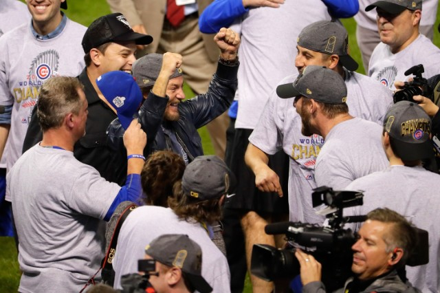 Eddie Vedder Celebrates Chicago Cubs' World Series Win