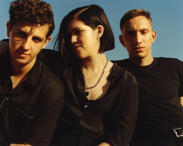 "The xx – ""On Hold"" - Stereogum"