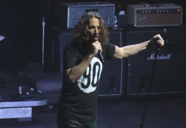 watch temple of the dog reunite in philadelphia stereogum. Black Bedroom Furniture Sets. Home Design Ideas