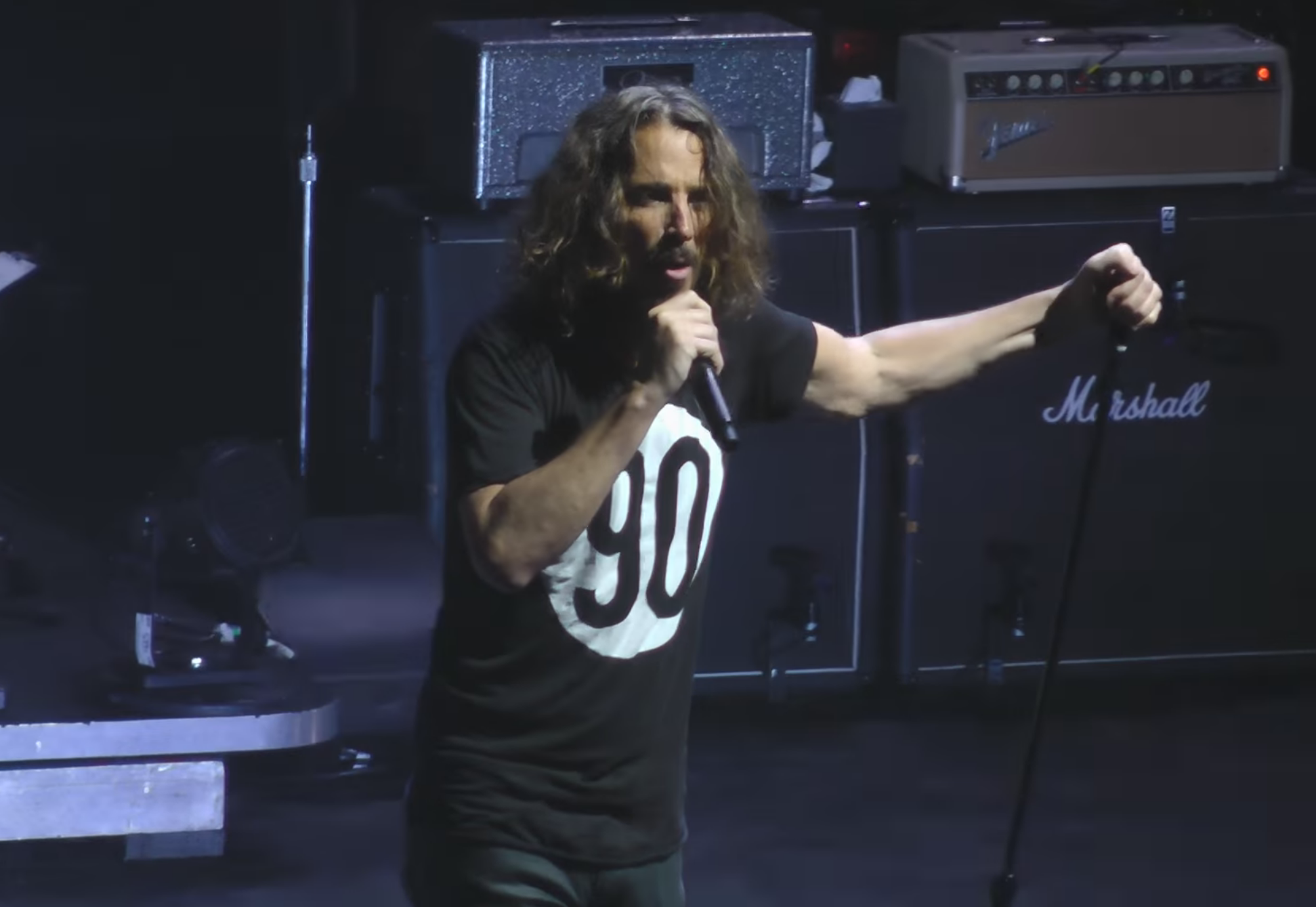 watch temple of the dog reunite in philadelphia 15 minute news. Black Bedroom Furniture Sets. Home Design Ideas