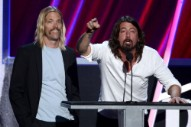 "Dave Grohl, Taylor Hawkins, & Nick Raskulinecz – ""2112 Overture"" (Rush Cover)"