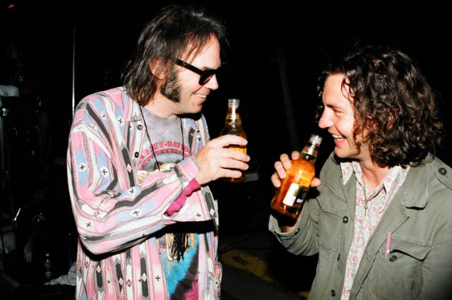 Neil Young Eddie Vedder