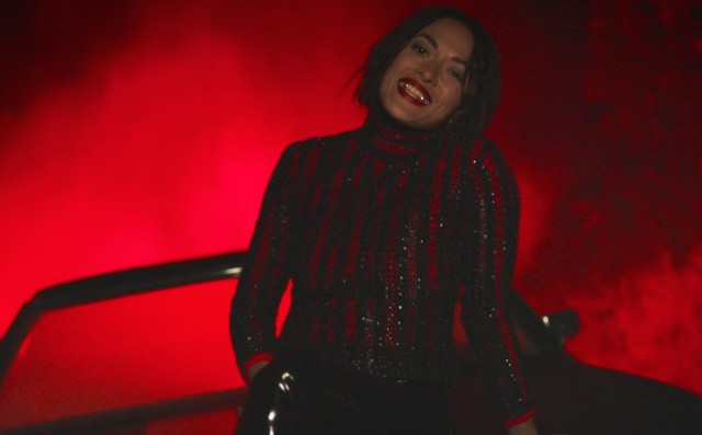 Mai Lan - Vampire video